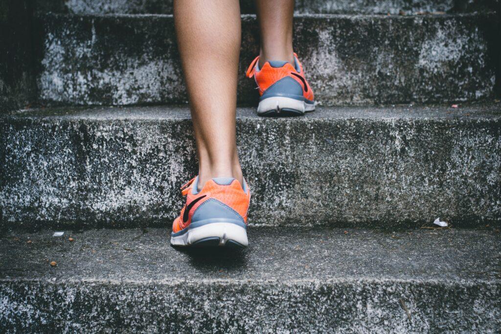 ダイエットでタンパク質を取らないといけない理由がわかりトレーニングをはじめる人のイメージ